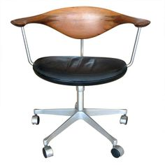 Hans Wegner Swivel Chair