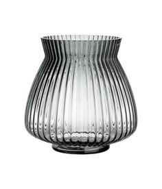 Sjekk ut dette! En vase i klart glass med strukturmønstret overflate. Indre diameter øverst 11,5 cm, høyde 17,5 cm. - Besøk hm.com for å se mer.