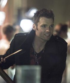 """Arrow 2.7 """"State v. Queen"""" -  Seth Gabel as The Count ---- why is it all the creepy bad guys who are attractive? XD"""