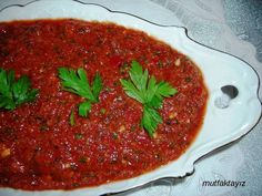 Antep Ezmesi Tarifi (ACILI EZME) Chili, Turkish Recipes, Ethnic Recipes, Turkish Kitchen, Meatloaf, Pesto, Salsa, Mad, Food And Drink