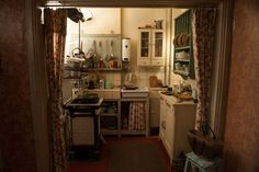 The Sets of The Monuments Men - HOUSE - Jim Bissell designed this modest kitchen set for Cate Blanchett's character, Jeu de Paume archivi - Monument Men, Casa Top, Interior And Exterior, Interior Design, Dream Apartment, My Room, Kitchen Dining, Living Spaces, Sweet Home