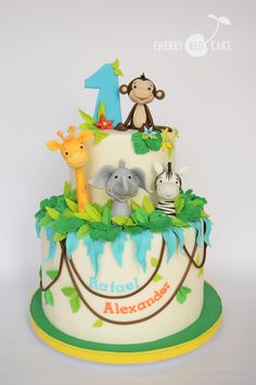 Best Image of Safari Birthday Cake . Jungle Birthday Cakes, Jungle Safari Cake, Jungle Theme Cakes, 1st Birthday Boy Themes, Animal Birthday Cakes, Safari Cakes, Safari Birthday Party, Baby 1st Birthday, First Birthday Cakes