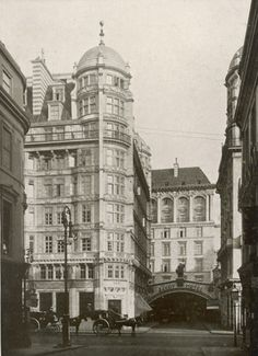 The Savoy Hotel London By 1890s British Women Were No Longer Adverse To