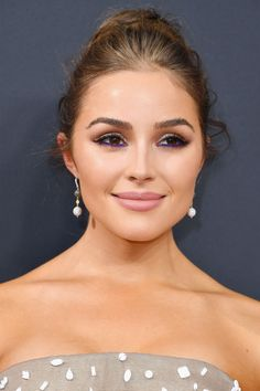 Best Red Carpet Hair and Makeup at the 2016 Emmys - Celebrity Beauty Looks From the Emmy Awards
