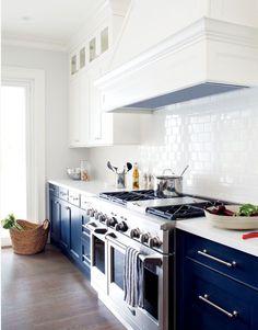 navy + white kitchen...oh my love.