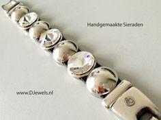 Bezig met een nieuw ontwerp voor een enthousiaste klant... Binnenkort te bestellen via de site voor €55,- (gratis verzending) www.djewels.nl  Vind je de nieuwe dames armband mooi?    #DJewels #sieraden #sieraad #armbanden #armband #damesarmband #swarovski #lerenarmband #trendy #mode #hip #fashion #jewelry #design #handgemaakt #handmade #zilverenarmband