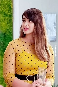 Gifts that Keeps On bouncing Early morning BooBers be a bouncing Bollywood Female Actors, Indian Bollywood Actress, Bollywood Girls, Bollywood Celebrities, Bollywood Fashion, Most Beautiful Indian Actress, Most Beautiful Women, Beautiful Actresses, Beautiful Outfits