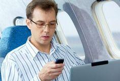 Celular tem uso ampliado Em modo avião, o aparelho está liberado em aéreas nacionais como Azul, Gol e Latam, enquanto o Galaxy Note 7 está proibido no mundo todo