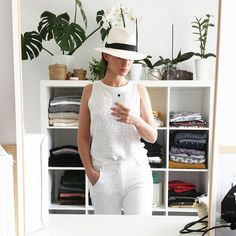 Y en a marre ... voici venu le temps des plages privées 🐚 #FMR #morning #plage #plageprivee #ootd #total #look #blanc #white #boyfriend #bronzette #farniente #effetmer #maisonscotch #panamas #fedora #hat #zara #pinklips #outfitoftheday #outfit #dressing #home #homesweethome #arles #chapi #chapeau #monoprix