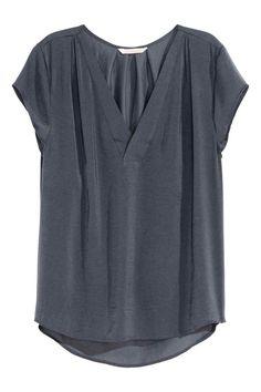 Blusa de cetim com decote em V | H&M