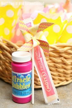 I love these toddler-friendly goody bags (no sugar crash) and party treats!