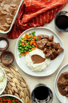 Save the recipe! Easy Pot Roast, Best Dishes, Recipe Of The Day, Hummus, Super Easy, Slow Cooker, Simple, Ethnic Recipes, Food