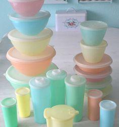 Tupperware 1950 vintage 50er Jahre Wonderlier Bowls Becher pastel