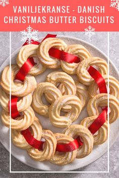 This fantastic vaniljekranse Danish Christmas biscuits recipe from Sally Abé shows how easy it is to whip up these delicious vanilla biscuits for Christmas. Christmas Food Gifts, Christmas Candy, Christmas Baking, Christmas Cookies, Christmas Nibbles, Danish Cuisine, Danish Food, Danish Christmas, Scandinavian Christmas