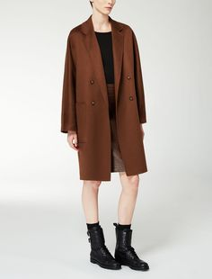 Max Mara RAIL tobacco: Cashmere coat. Find your outfit on the Official Max Mara Website and discover all that is new in ready-to-wear.