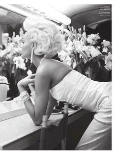Joan Smalls in Marilyn mood!