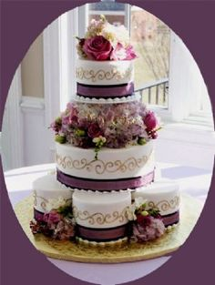 Find the best Toronto and the GTA have to offer on thePWG.ca #Wedding #Cakes http://www.theperfectweddingguide.com/toronto_wedding_cakes.html