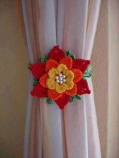 rose, crochet, can be a nice d - Salvabrani Crochet Diagram, Crochet Motif, Diy Crochet, Crochet Crafts, Crochet Stitches, Crochet Projects, Crochet Flower Tutorial, Crochet Flower Patterns, Crochet Designs