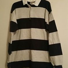 Mens L. L. Bean long sleeved top Mens L. L. Bean long sleeved top, size Large. Colors navy and gray. L.L. Bean Tops