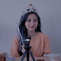 Tzuyu Profile, Mamamoo, South Korean Girls, Korean Girl Groups, Sana Momo, Chou Tzu Yu, Tzuyu Twice, S Icon, Dahyun