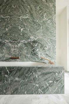 Green marble, luxury for bathroom and kitchen - In this article, we will show you green marble bathroom and kitchen ideas for this spring. Green Marble instantly provides an elegant feeling of luxury. Green Marble Bathroom, Marble Bathtub, Marble Wall, Colorful Bathroom, Marble Stairs, Marble Floor, Bathroom Styling, Bathroom Interior Design, Home Interior