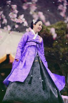 Korean Hanbok, Korean Dress, Korean Outfits, Korean Clothes, Korean Traditional Dress, Traditional Dresses, Jang Ok Jung, Kim Tae Hee, Yoo Ah In