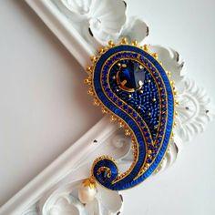 """341 Likes, 7 Comments - zzebra100 (@anastasya_mordvintseva) on Instagram: """"Брошь """"Пейсли"""" в ярко синем цвете.  В наличии! Брошь очень легкая, можно украсить пальто, шарф или…"""""""