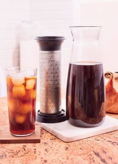 15 Thirst Quenching Cold Brew Coffee Recipes to Chill With - Alles Liebe und Tupperware Tea Recipes, Coffee Recipes, Gourmet Recipes, Gourmet Foods, Iced Coffee, Coffee Drinks, Starbucks Coffee, Iced Tea, Carafe