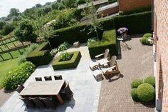 Depósito Santa Mariah: Jardins Harmoniosos!