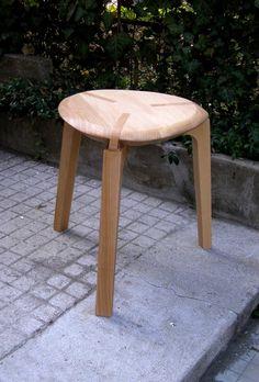 .tri.foi. chair by Ruxandra Sacalis