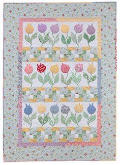 Tulip quilt, in: Quilting Those Flirty '30s by Cynthia Tomaszewski