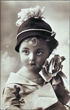perfect vintage photo of a little angel ~ ?late Edwardian...early deco...no info given