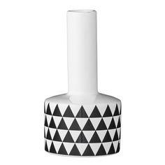 Vaas met zwart-witte driehoekjes - 7€- Diameter 8cm Hoogte: 15 cm