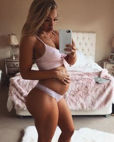 Tammy Hembrow #pregnant #bump
