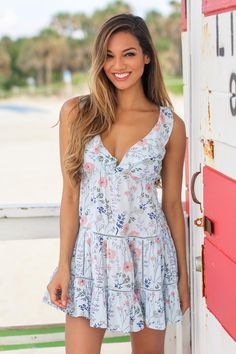 SHORT AND SWEET!! This pretty floral cutie is here!