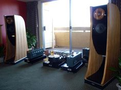 big, beautiful Cessaro Horn Acoustics Chopin loudspeakers