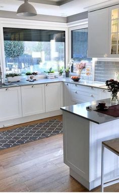 Kitchen Designs and Trends That Are Here to Stay! Part 14 ; Wooden Cabinets, Dark Cabinets, Kitchen Cabinets, Kitchen Faucets, Layout Design, Design Ideas, Kitchen Trends, Kitchen Designs, Outdoor Patio Designs