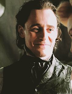 so sorry Tom Hiddleston Crimson Peak, Tom Hiddleston Loki, Thomas Sharpe, Toms, Fiction, Handsome, Fiction Writing, Science Fiction