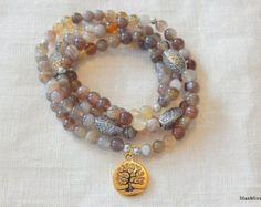 bracelet mala 108 perles gemstone  Bracelet perles naturelles gem  BRACELET : - bracelet monté sur élastique extensible résistant - taille : environ