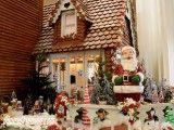 Santa Claus at Walt Disney World's Gingerbread House