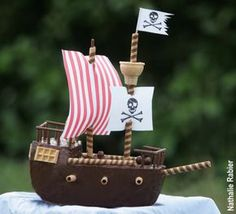 Cigar cookies or square pretzels for railings on cake Pirate Boat Cake, Pirate Birthday Cake, Pirate Ship Cakes, Pirate Theme, Pirate Kids, Funny Cake, Cakes For Boys, Party Cakes, Kids Meals