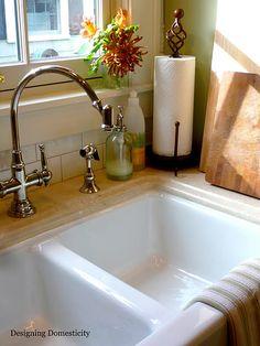 how to clean a farmhouse sink