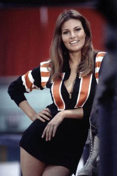 """Raquel Welch as roller girl K. Carr in the film """"Kansas City Bomber,"""" 🎦 🍿 Rachel Welch, Classic Actresses, Beautiful Actresses, Actors & Actresses, Vintage Hollywood, Classic Hollywood, Non Plus Ultra, Beautiful People, Beautiful Women"""