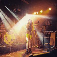 @shootthemessenger on stage now great local talent from Derry.    #shootthemessenger #musician #singer #artist #londonderry #musicphotography #band #derry @nerve_centre #steviemartin #twitter