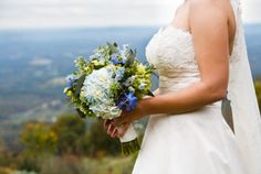These flowers are my favorite and my wedding inspiration a few years ago!