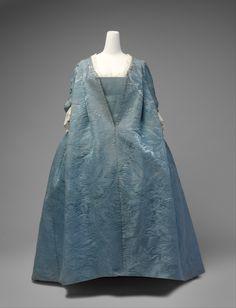 Robe Volante: ca. 1730's, French, silk damask.