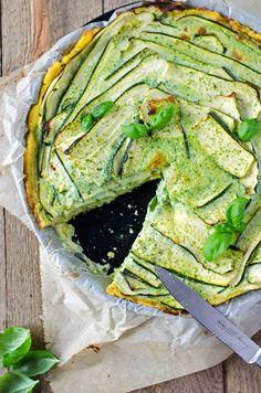 kalorienarme Zucchintarte mit Zucchinicreme. Köstlich, würzig, cremig. Recipe also in english!