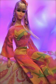 Barbie - Twist and Turn Barbie - Blonde