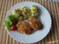 Pařížské mleté celerové řízky - výborné Easy Meals, Food And Drink, Eggs, Chicken, Dinner, Vegetables, Cooking, Breakfast, Recipes