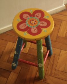 Buddha Canvas, Whimsical Painted Furniture, Painted Stools, Got Wood, Bunt, Paper Crafts, Chair, Diy, Painting
